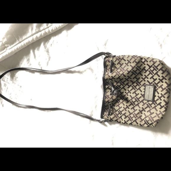 Tommy Hilfiger Handbags - Tommy hilfiger purse
